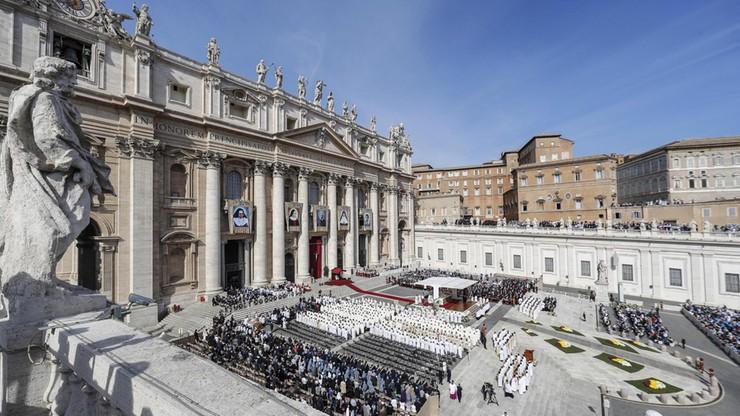 """""""Anioł stróż papieża"""" odchodzi. Powodem wyciek z Watykanu poufnych materiałów"""
