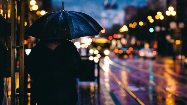 Piątek pod znakiem deszczu i wiatru. Jaki będzie weekend? Prognoza pogody - 30 października