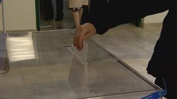 """""""Infolinia nie działa"""", """"brak pakietów wyborczych"""". Opozycja o problemach z głosowaniem za granicą"""