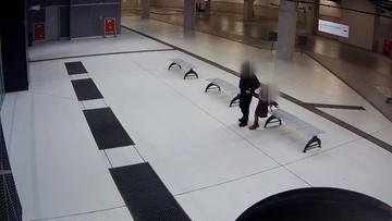 Chwycił dziecko za rękę i zaczął prowadzić za sobą. Tak wyglądała próba porwania w Łodzi [NAGRANIE]