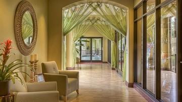 Hotele tracą co miesiąc miliard złotych