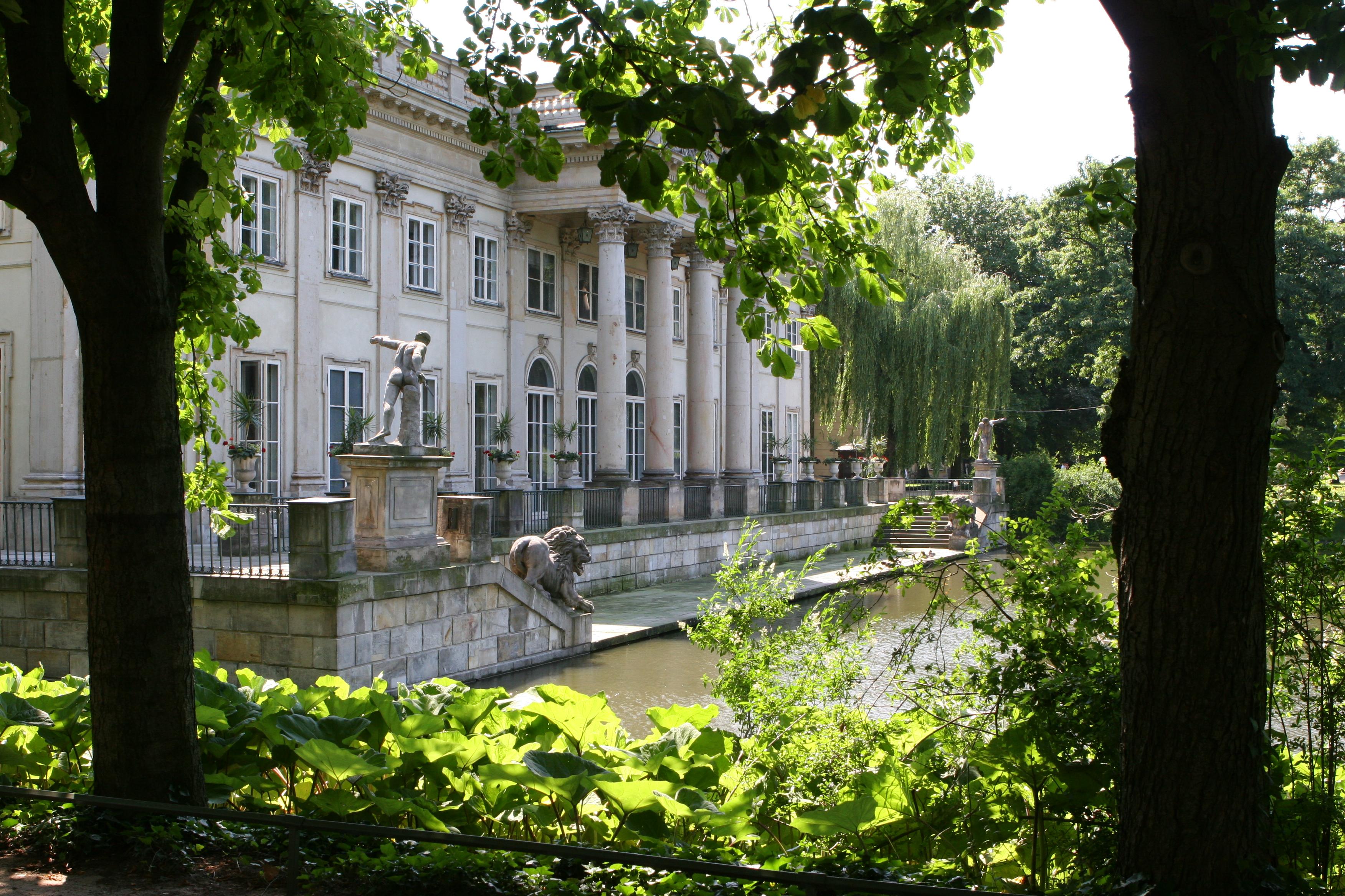 Najpopularniejsze Stołeczne Zabytki łazienki I Pałac