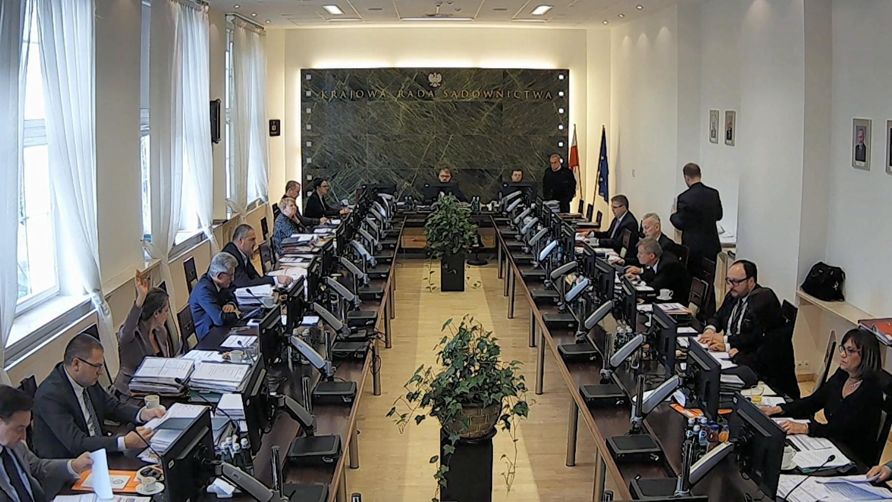 14.02.2020 | Kancelaria Sejmu po dwóch latach ujawniła listy poparcia do KRS