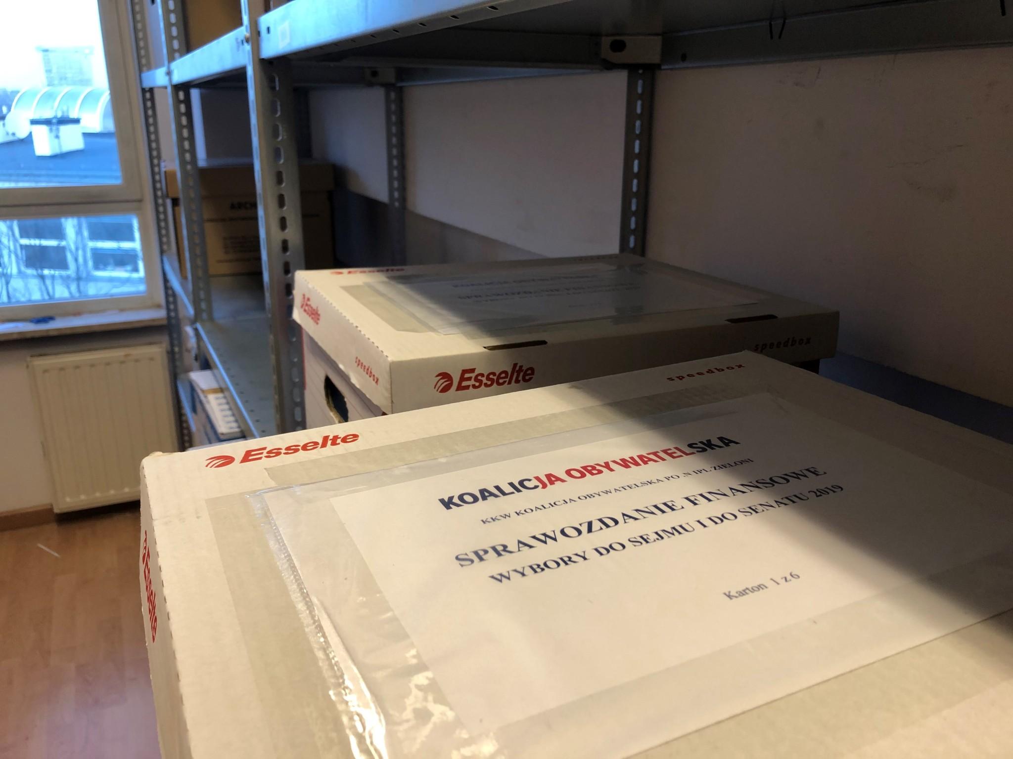 KKW Koalicja Obywatelska złożył w PKW sześć kartonów dokumentacji